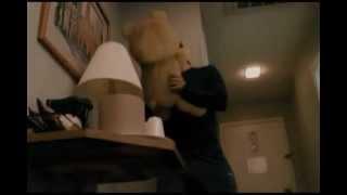 La pelea de Jhon y Ted (pelicula de ted)