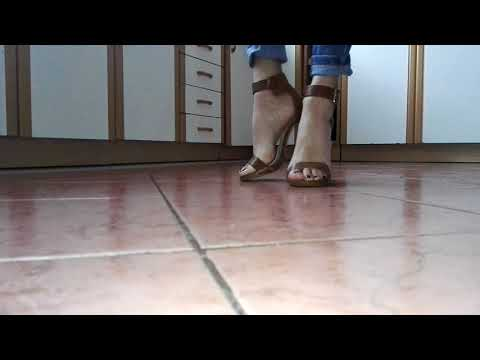 Fetish LadyIVe walks in sexy brown high sandals