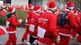 ТЫСЯЧИ Санта-Клаусов на улицах Будапешта/THOUSANDS OF RUNNERS SANTAS ON THE STREETS OF BUDAPEST