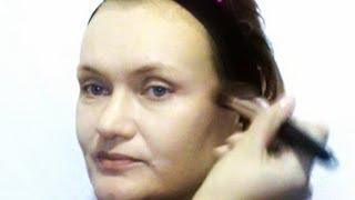 Нанесение тона кистью, видео-инструкция(Видео-урок по нанесению тонального средства кистью, более подробная информация о тонкостях макияжа на..., 2013-06-17T07:37:27.000Z)