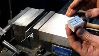 How to square uṗ stock on the milling machine