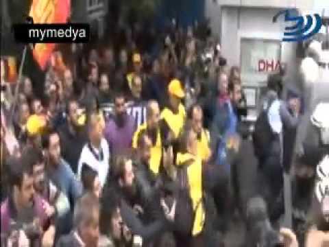 Kadikoy Iskelesine Gelen Gruba Polis Mudahale Etti