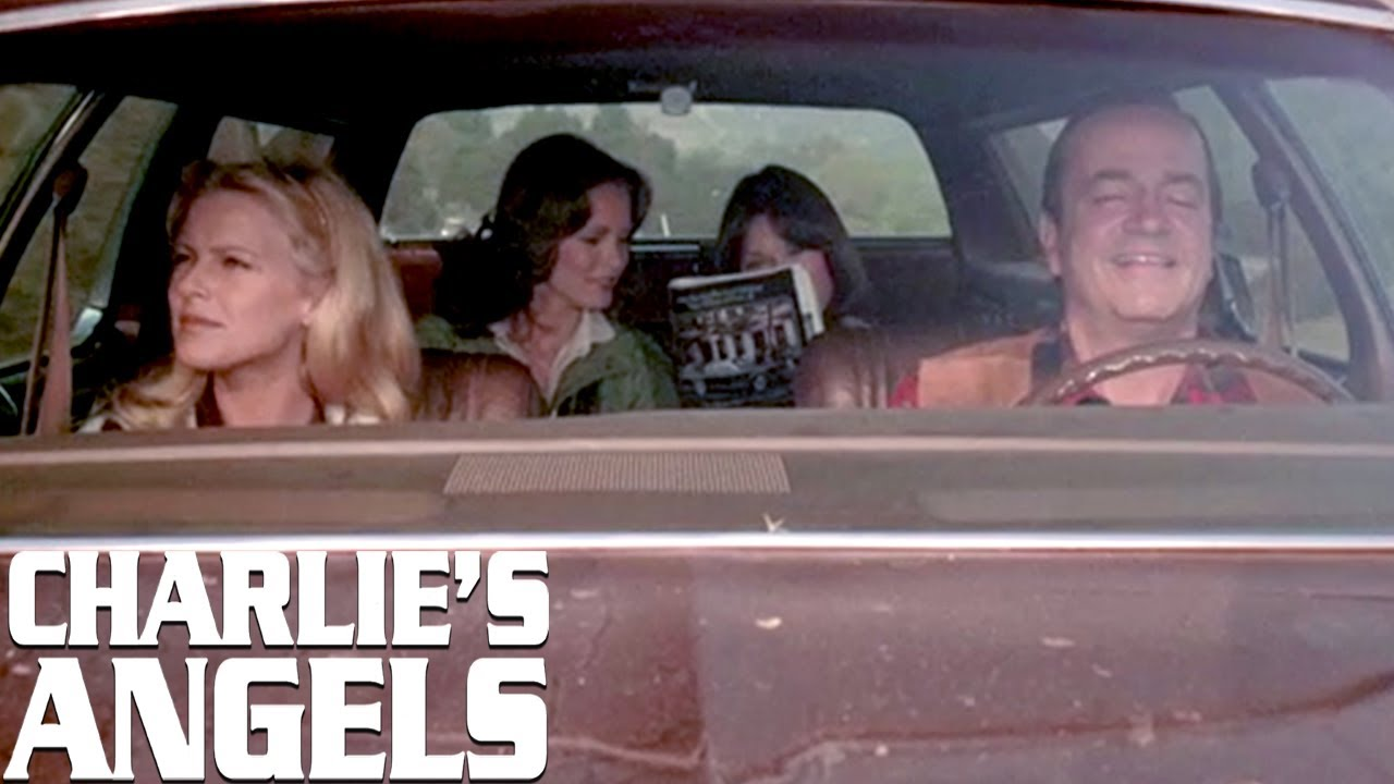 The Angels Go On Vacation! | Charlie's Angels