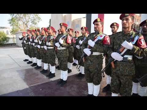 الرئيس القائد عيدروس الزُبيدي يضع إكليلا من الزهور على ضريح الجندي الجنوبي في ذكرى الاستقلال