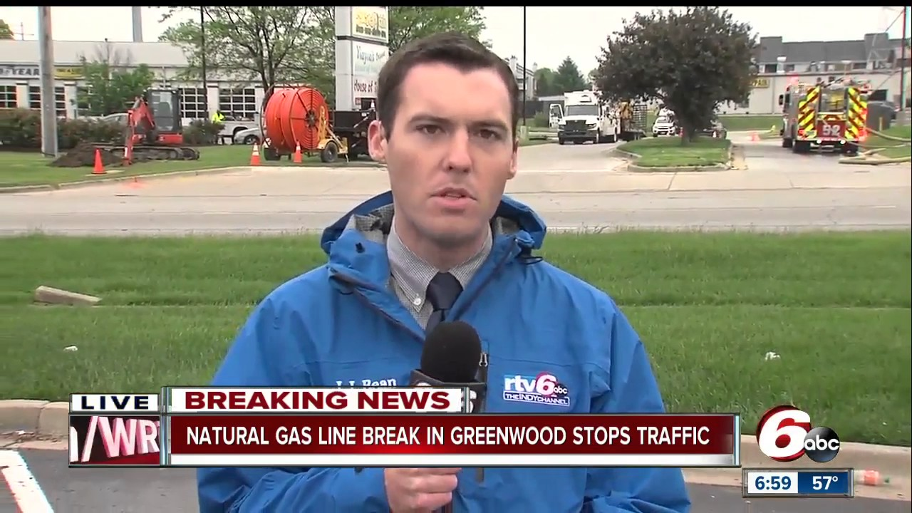 Natural gas break in Greenwood stops traffic