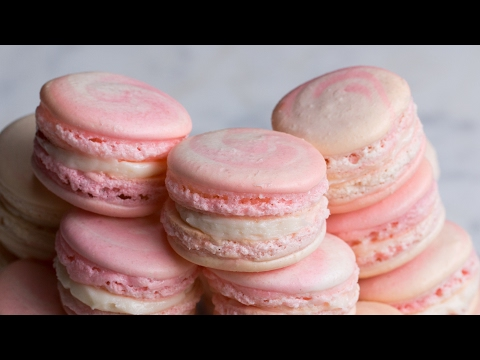 Thumbnail: Strawberry Cheesecake Macarons
