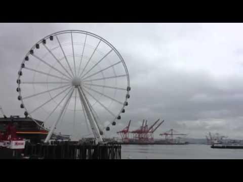 Seattle Great Wheel turns