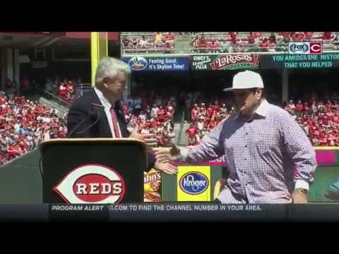 Bob Castellini inducts Pete Rose into Reds Hall of Fame
