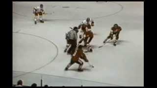 1976 bobby orr Team Canada goal