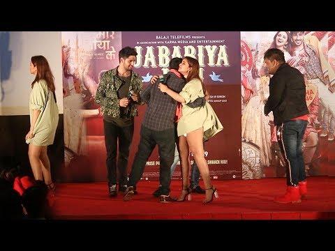 see-pariniti-chopra's-most-embarassing-moment-at-jabariya-jodi--zila-hilela-song-launch