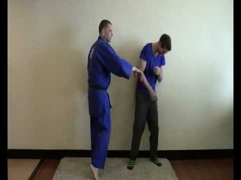 Pressure Point Systema Stomach Strike. For Use in Street Fights, Self Defense Or Kung Fu