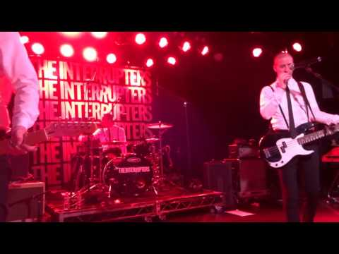Dicky barrett of the bosstones peforms with the interrupters & a little bit of tim timebomb