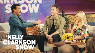 Justin Willman's Christmas Magic Trick Scares Kelly and Lionel Richie