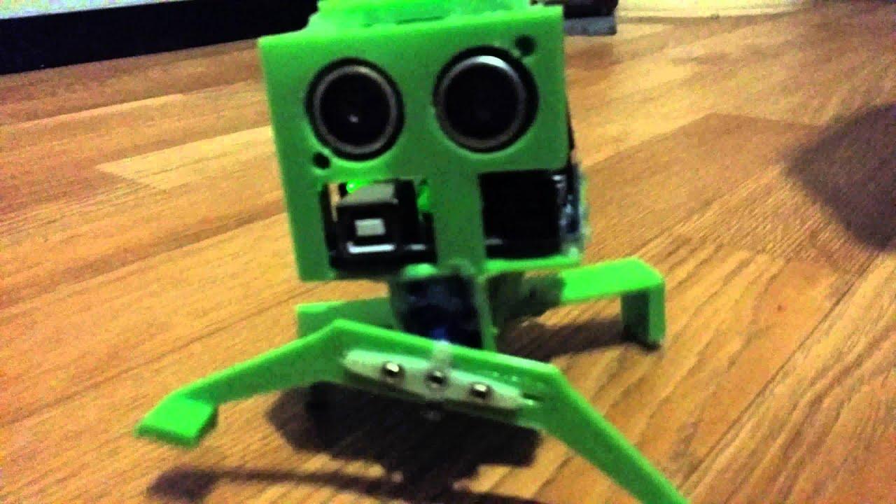 Bug robot arduino servomotors ultrasonic sensor and d