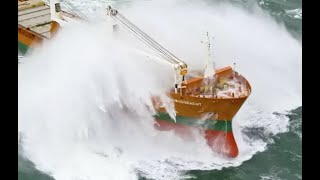 Top 10 Large Ships VS Giant Waves In Strong Storm