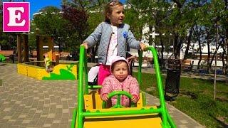 Идём на пляж Ланжерон со своей сестричкой, играем на детской площадке - ВЛОГ