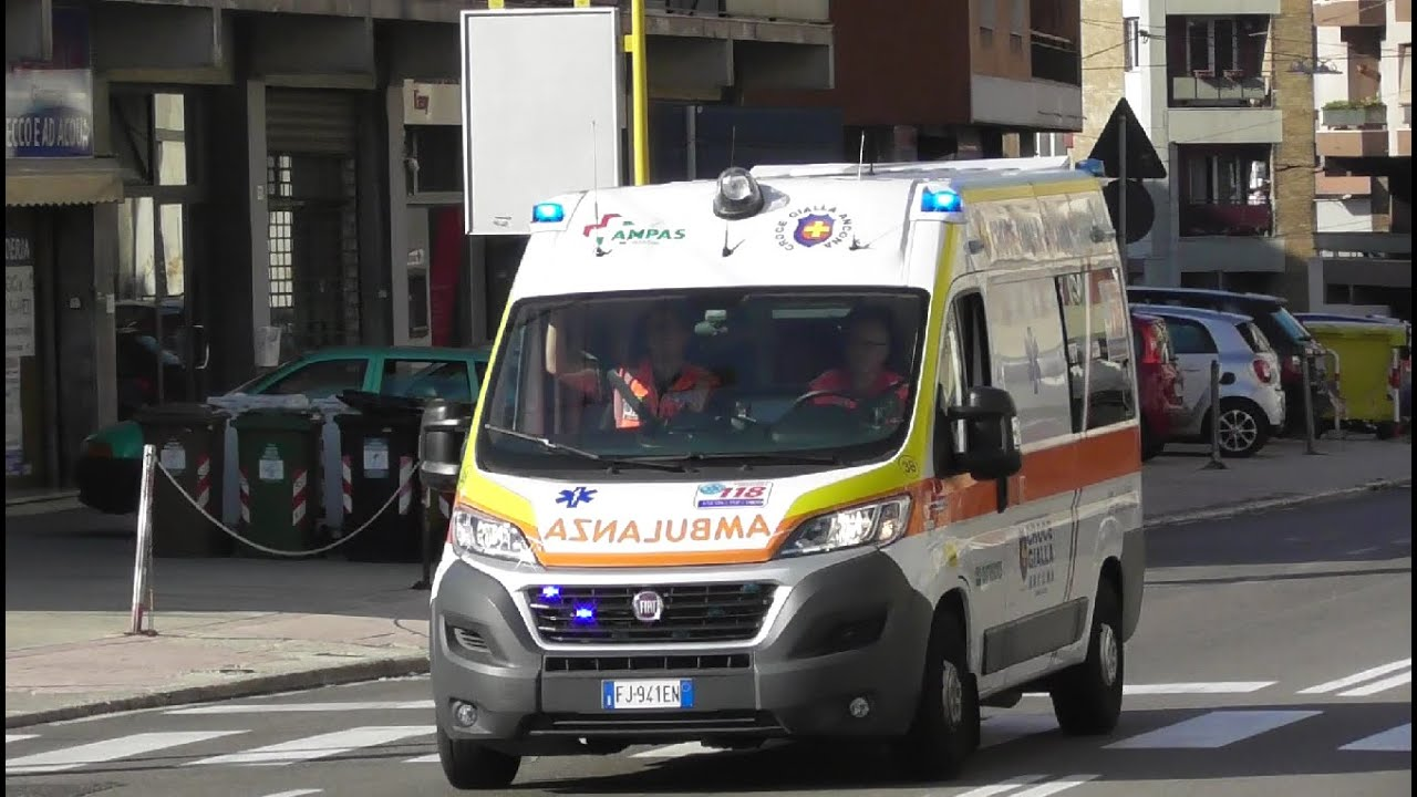 Ambulanza Croce Gialla Ancona in Emergenza / Italian Ambulance in Emergency
