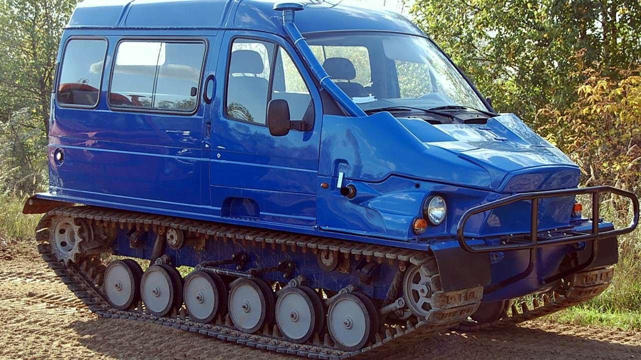 Гусеничный снегоболотоходы газ-3409 «бобр» представляет собой универсальное транспортное средство, предназначенное для эксплуатации в.