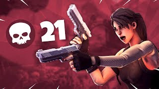 Fortnite needs to nerf this weapon... (21 Kill Solo Win)