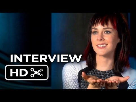 The Hunger Games: Catching Fire Jena Malone Interview (2013) HD