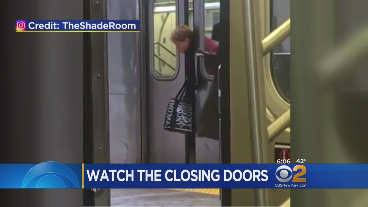 Witness Records Woman Trapped Between Train Doors & Witness Records Woman Trapped Between Train Doors - YouTube Pezcame.Com