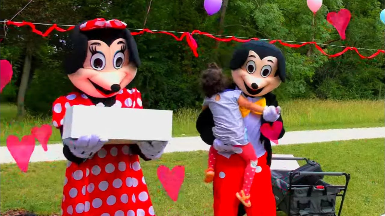 Mickey and Minnie Mouse at Sara's 4th Birthday Party
