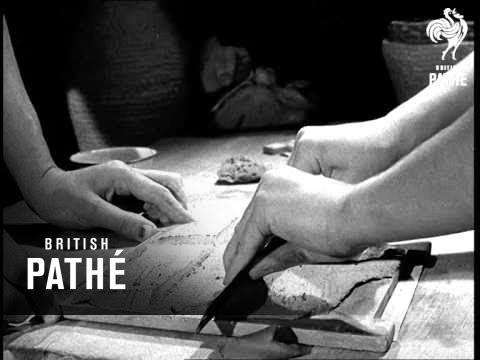 Pottery Without A Wheel (1940-1949)