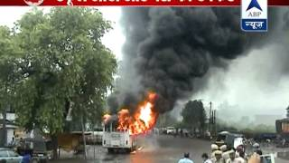 Angered mob burns bus that rammed into an auto rickshaw carrying kids, injuring 9