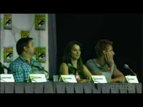 "SMALLVILLE: ""COMPLETE COMIC CON 2010 PANEL""(1 of 4)"