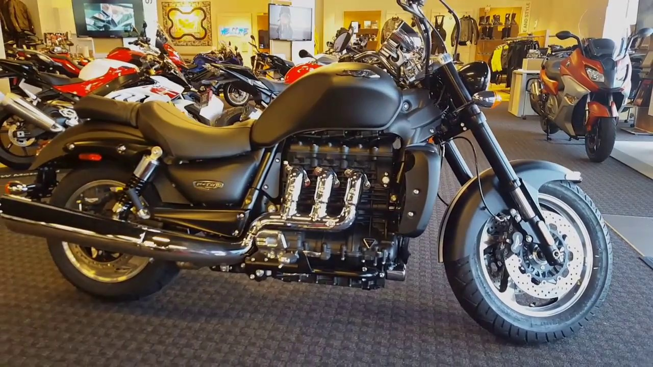 2016 triumph rocket iii (3) roadster black with red racing stripes