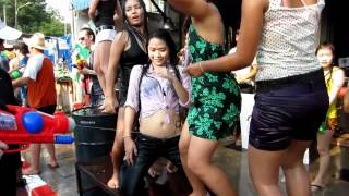 Sexy Songkran Dance in Chiang Mai 2012