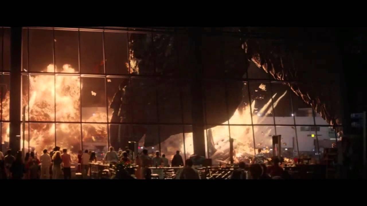 Godzilla (2014) - Airp...