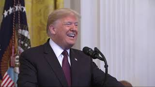 Trump awards 'extraordinary Americans' with honors thumbnail
