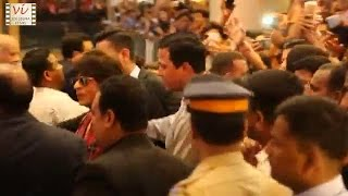 Shah rukh khan makes thousand of fans go crazy | six sigma films