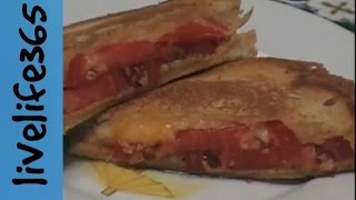 How To...make A Killer Tomato And Cheese Melt Sandwich