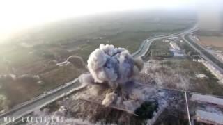Взрыв смертника в машине. Видео с дрона.