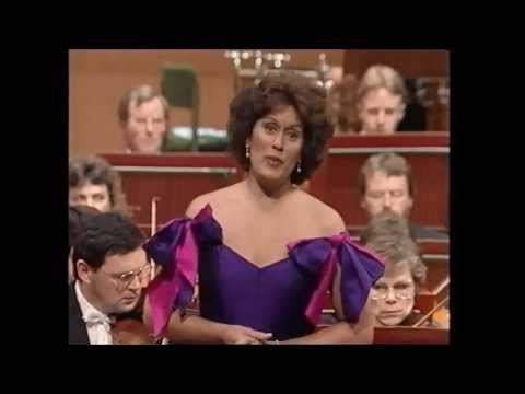 Kiri Te Kanawa  'Kiri Sings Mozart'