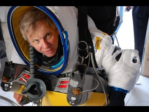 Google Exec Alan Eustace breaks space jump record in New ...