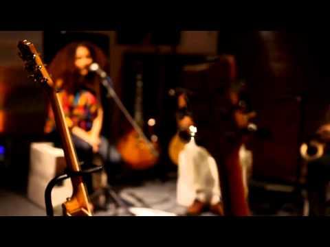 Elif Çağlar - Jamaica / #akustikhane #sesiniac