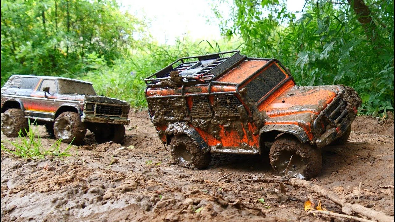 Rc cars mud off road — Land Rover Defender and Ford Bronco — Extreme Pictures #RcCars