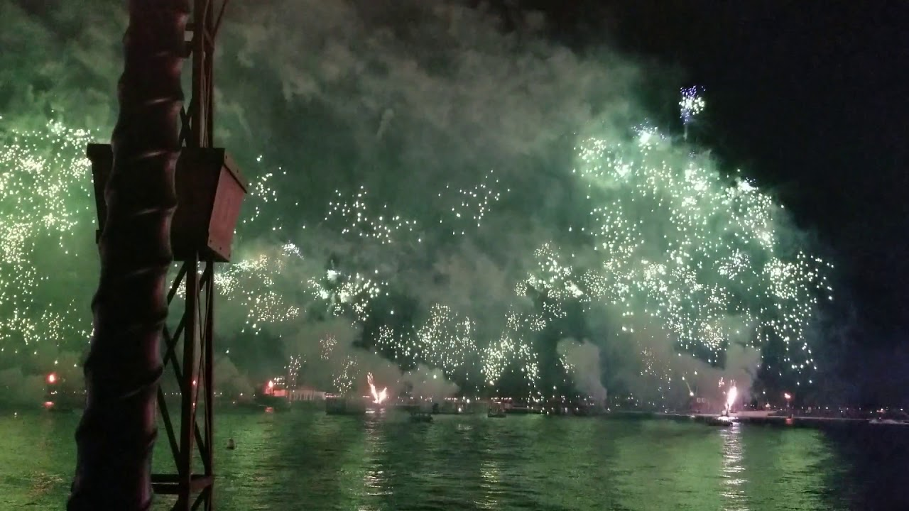 Epcot Forever New Years Eve 2019/20 - YouTube