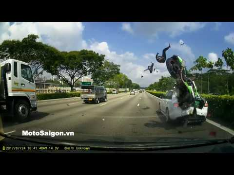 2 injured after motorcycle rams into stationary car on SLE