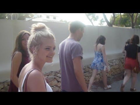 Holiday VLOG: Spain with my uni friends! | MegsBudgetBoutique