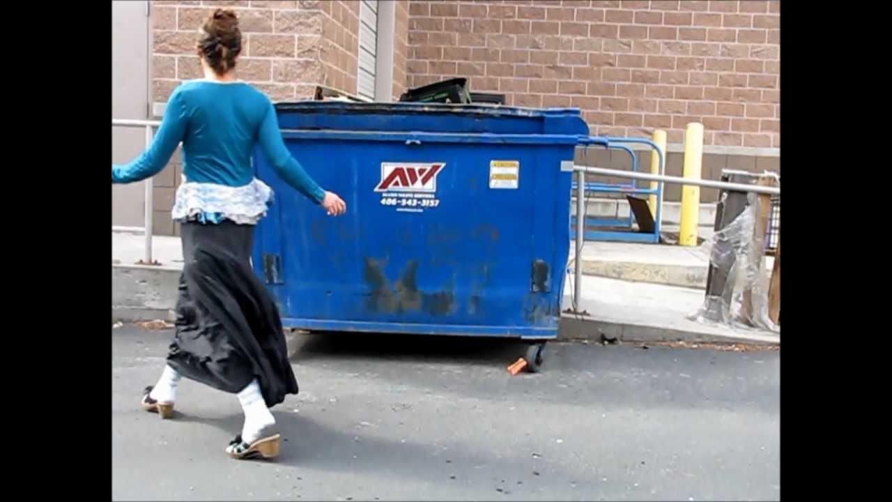 Rachael's Moment of Dumpster Diving Randomness - YouTube