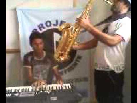 Alexandre e Lucas ensaiando Hello Lionel Richie :D