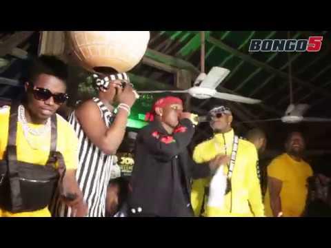 Mbosso asepa na Kijiji Dar/ Rayvanny na Dullvan wafanya yao usiku wa Birthday Party ya Romy Jones