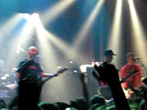 Millencolin - Man Or Mouse (Live - Sala Apolo)