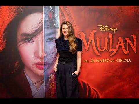 Mulan: La regista Niki Caro spiega perché non c'è Mushu nel live action