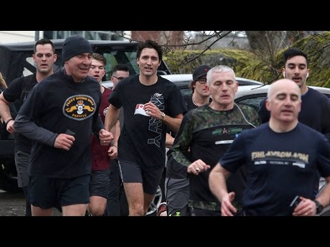 Trudeau goes for a run with military members at naval base in B.C.