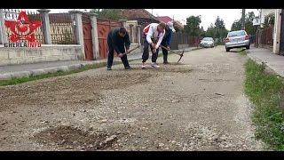 Au iesit cu tarnacoapele in strada din cauza drumului - strada Salciei Gherla (Cluj)